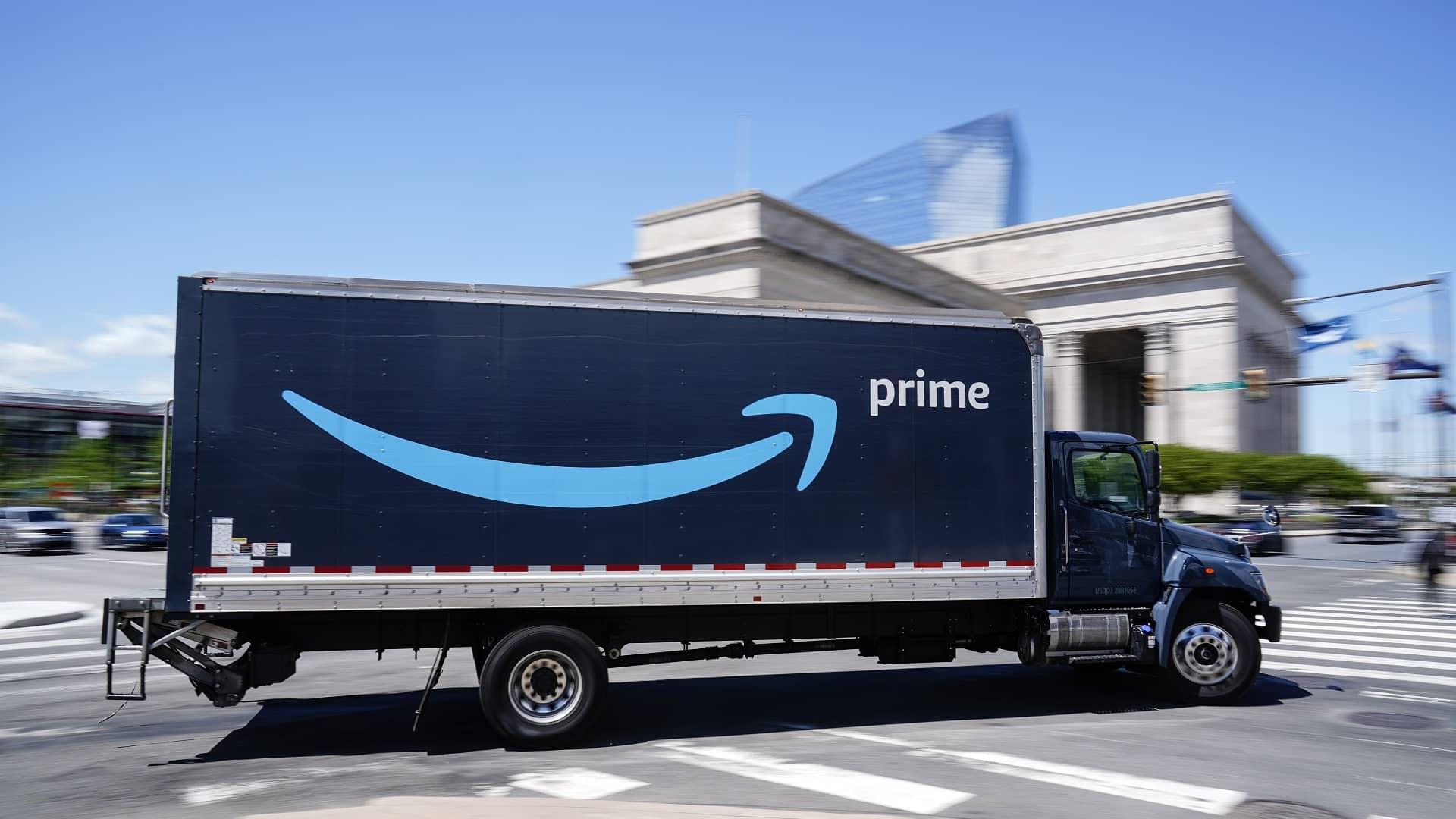 Amazon eyes 125K more hires, $18+ per hour average salary